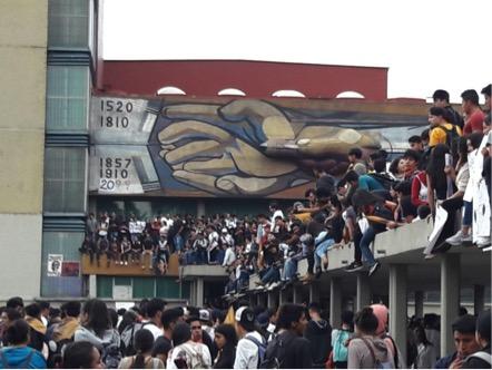 """Esto no es un paro, es una """"Semana de Autogestión"""": la Facultad de Filosofía y Letras después del 3 de septiembre (CDMX)"""