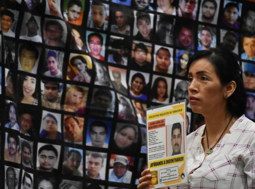 """""""Pase de lista de desaparecidos"""" en seis ciudades de Veracruz; estiman en 7 mil las ausencias"""