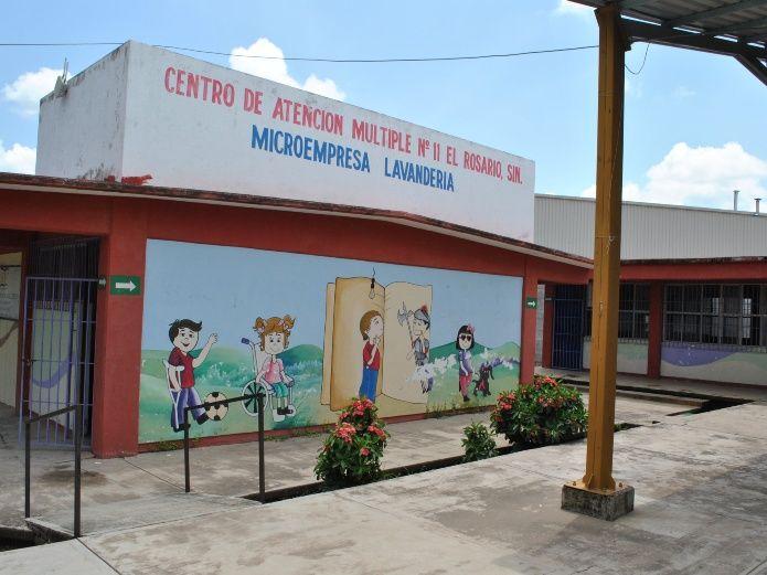 Docentes del CAM 11 se quejan de abandono (Sinaloa)