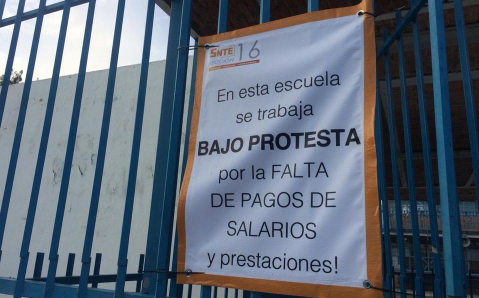 Cumplen maestros con paro en 8 mil escuelas en Jalisco
