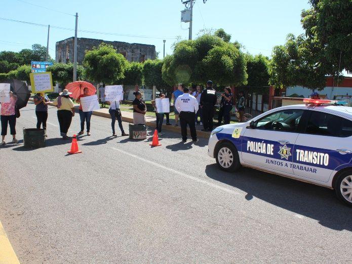 """""""Nuestros hijos están corriendo peligro"""" (Sinaloa)"""