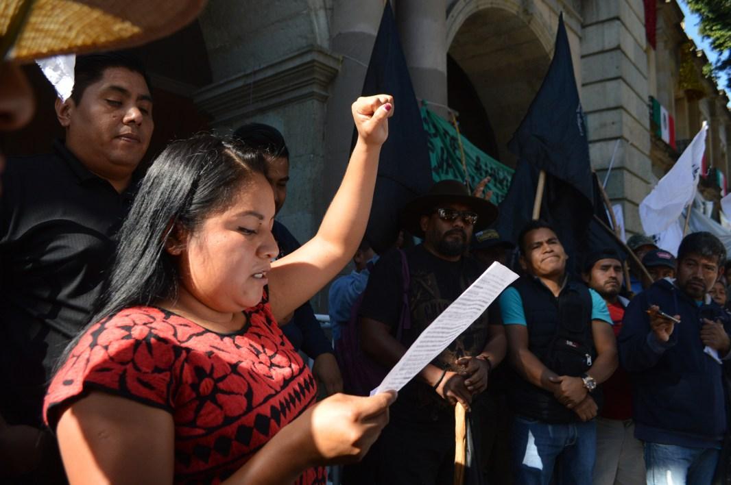 Comerciantes oaxaqueños en protesta por condiciones dignas de trabajo
