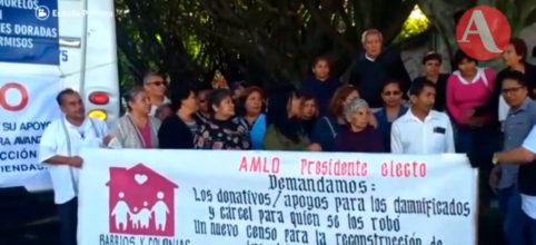 Damnificados de Morelos protestan en casa de AMLO (Video)