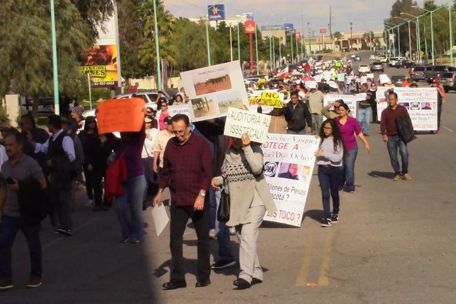 """""""Lluvia"""" de reclamos contra gobernador Kiko Vega (Baja California)"""