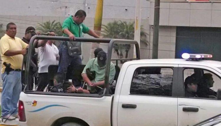 Liberan a policías detenidos por la desaparición de los 43 normalistas (Guerrero)