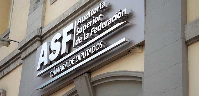 En SLP, agua cara y servicios deficientes (San Luis Potosí)