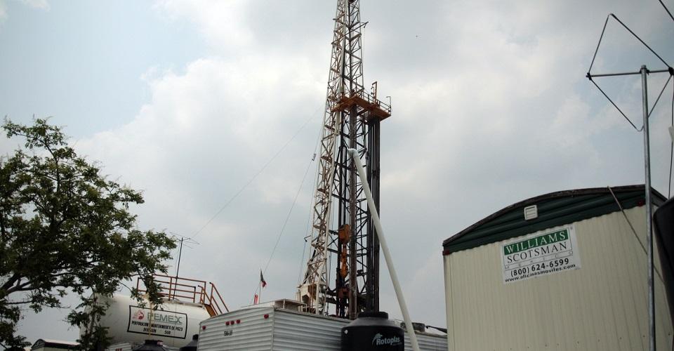 Pese a promesa de frenarla, gobierno de AMLO presupuestó 3 mil mdp para la técnica de fracking