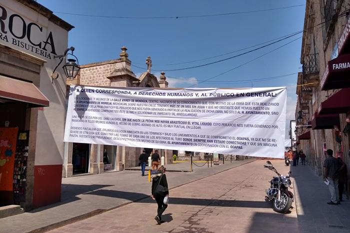Vecinos de Virrey de Mendoza denuncian corte de agua (Michoacán)