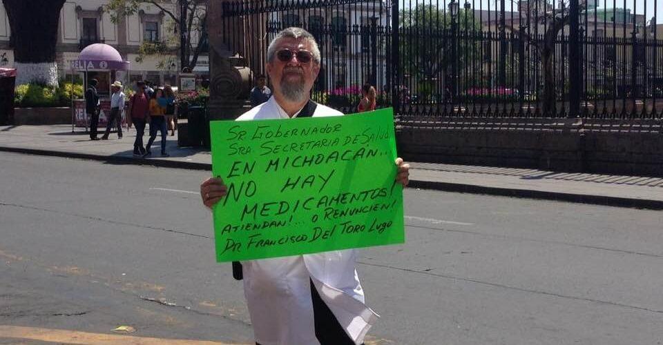 Garanticen abasto de medicinas o renuncien, pide doctor a Silvano y a titular de SSM (Michoacán)