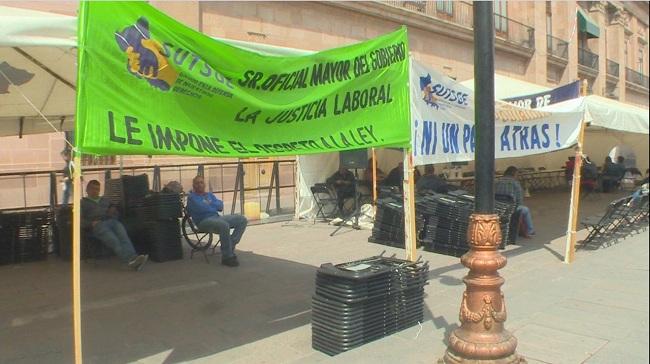 Unen plantones SUTSGE y SITTGE en palacio de gobierno (San Luis Potosí)