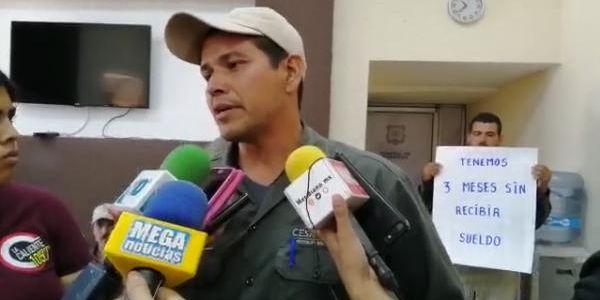 Empleados de CESAVENAY se manifiestan: no les han pagado en tres meses (Nayarit)
