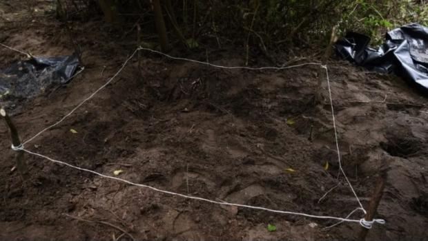 Suman 21 el número de cuerpos hallados en fosa clandestina de Xalisco, Nayarit