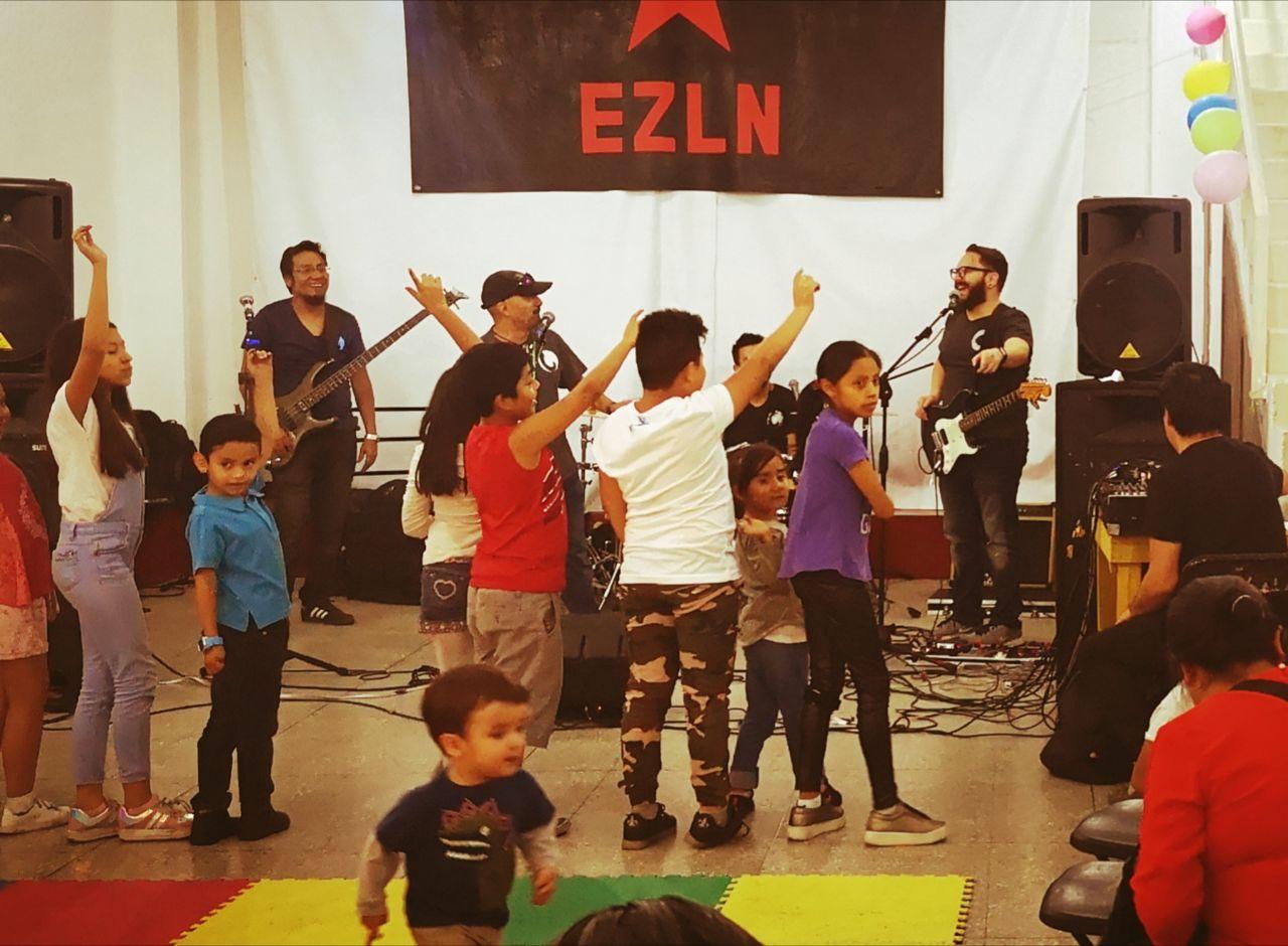 """Por un mundo donde quepan las niñas y los niños: música, baile y creatividad en el festival """"Los zapatitos de Zapata""""."""