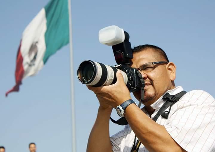 ATENTA FUERZA CIVIL CONTRA FOTOPERIODISTA DURANTE COBERTURA EN PENAL DEL TOPO CHICO (Nuevo León)