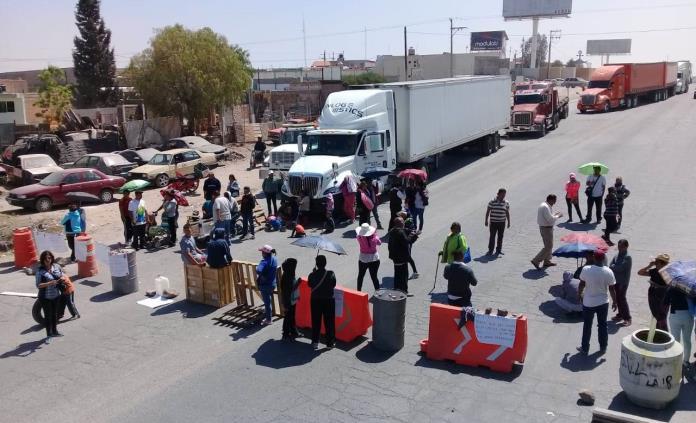 Manifestantes bloquean el bulevar Rocha Cordero (San Luis Potosí)