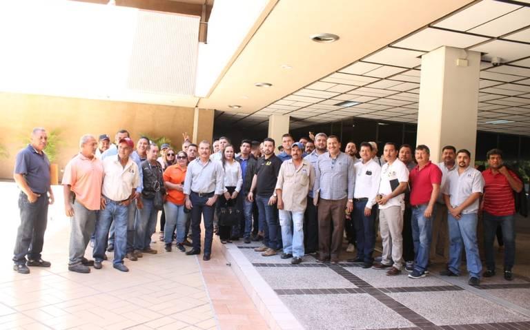 Protestan trabajadores del STASE por despido de un compañero (Sinaloa)