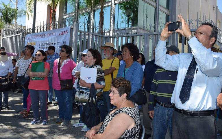 Se inconforman jubilados contra Ipejal por incumplimiento en su pensión (Jalisco)