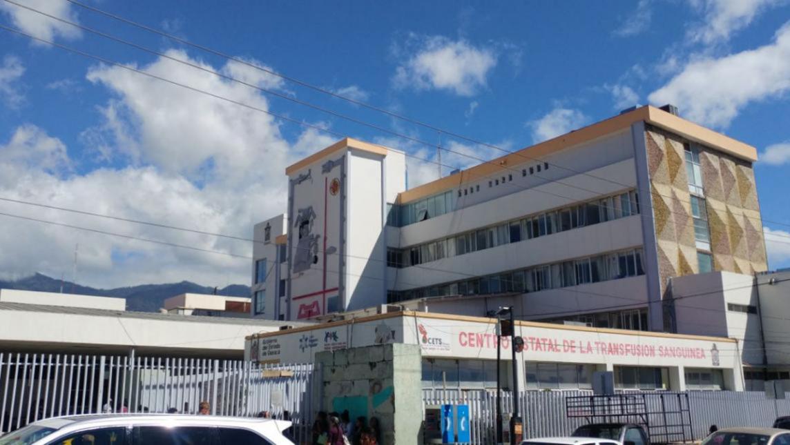 Paran labores médicos residentes del Hospital Valdivieso (Oaxaca)