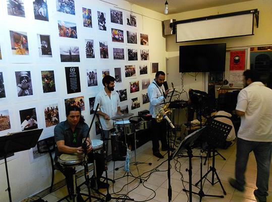 Música y  baile para celebrar la resistencia en la Cafetería Comandanta Ramona