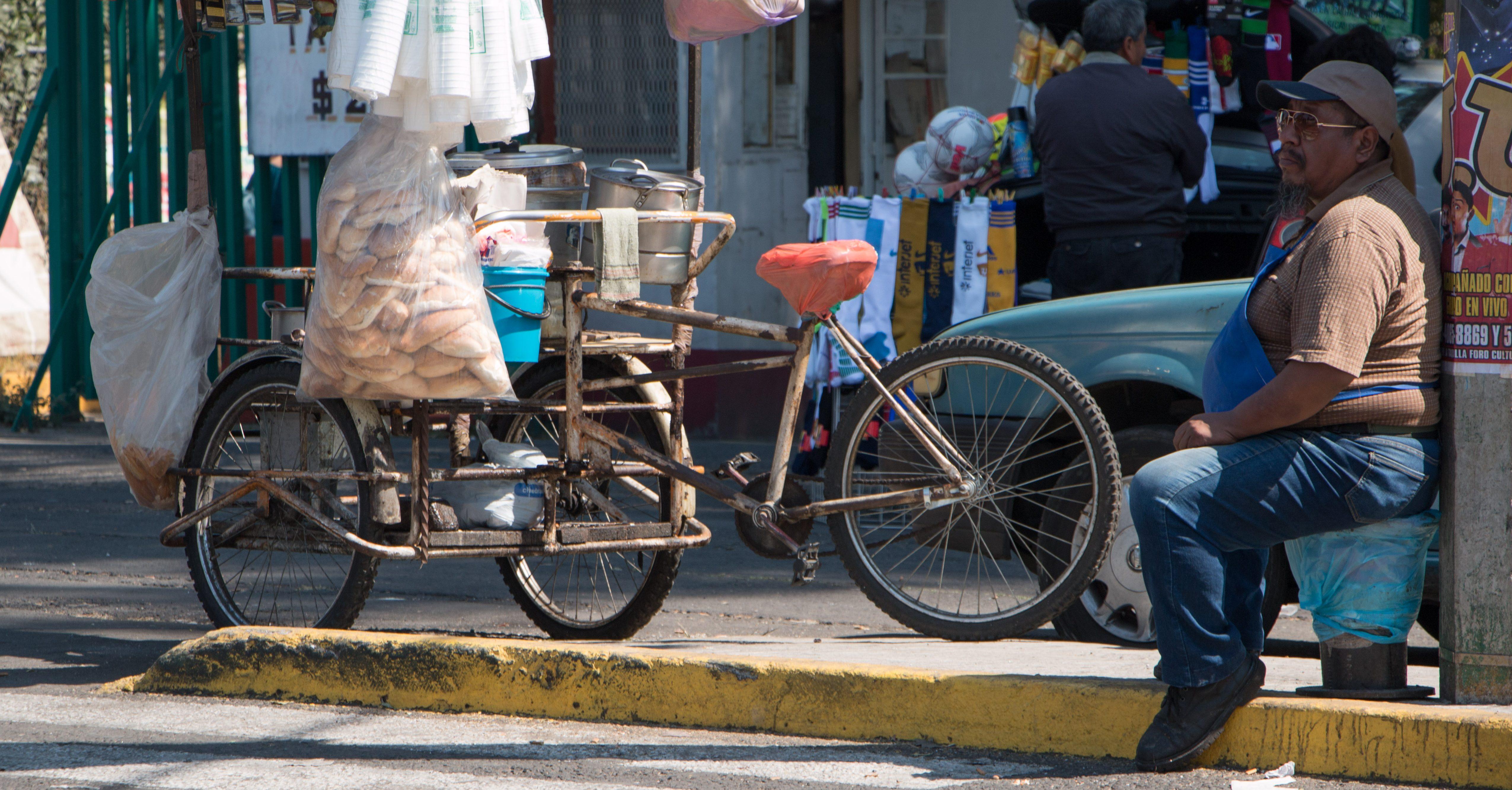 #SemáforoEconómico: 52% de los mexicanos laboran en la informalidad; estados del sur, los más afectados
