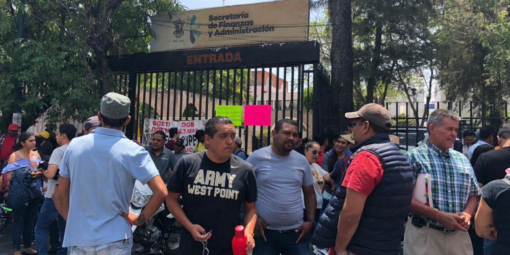 Adeuda gobierno de Michoacán 65 mdp a docentes eventuales