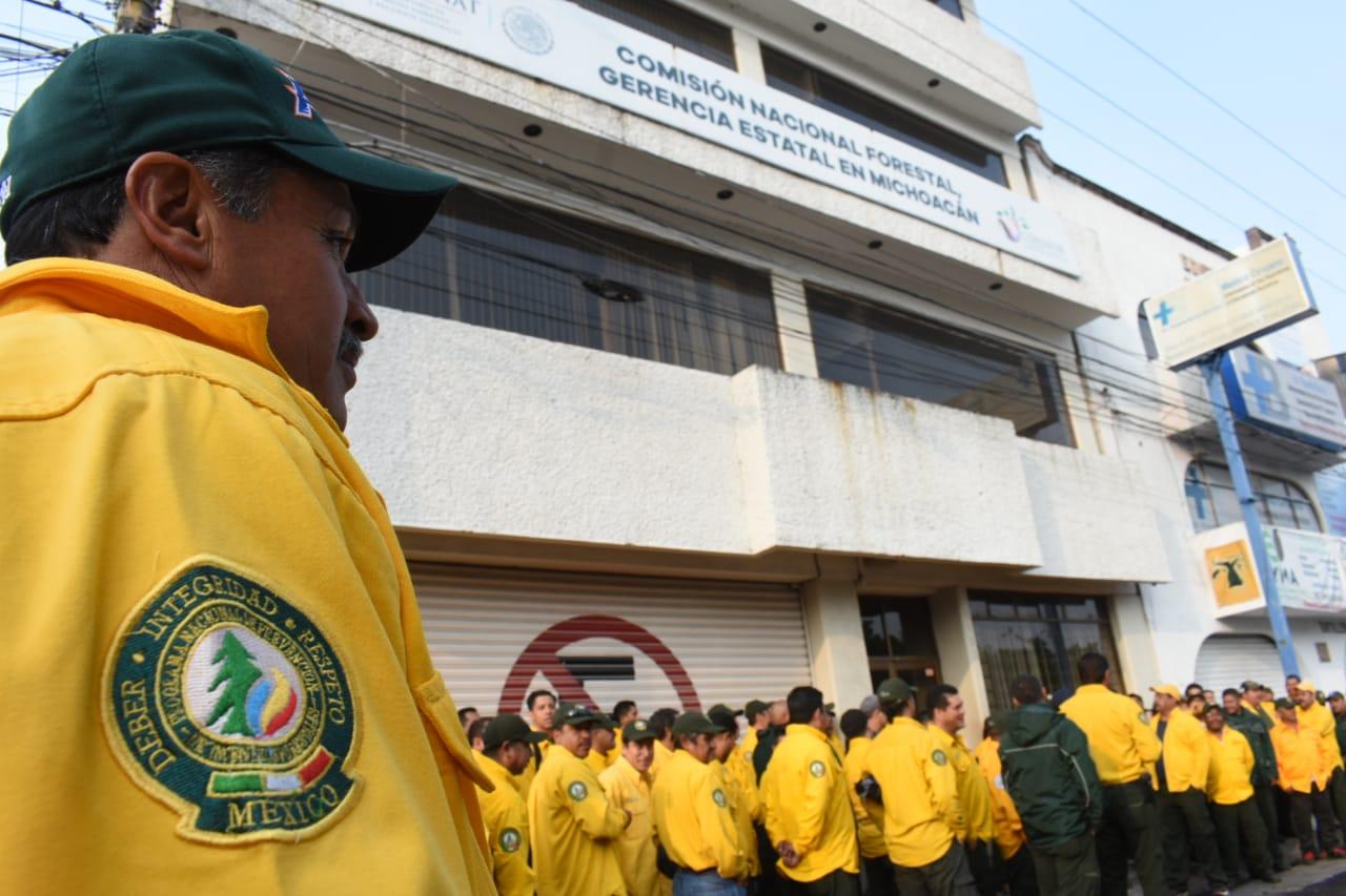 Brigadistas de Conafor demandan el pago de más de un millón de pesos  (Michoacán)