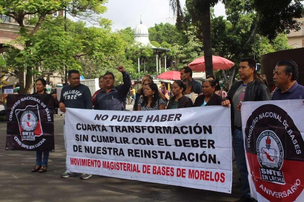 Protestan maestros en Morelos; exigen su reinstalación