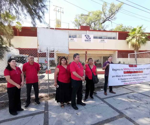 Denuncian a director maestros de Padilla (Tamaulipas)