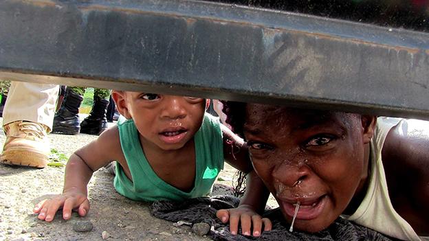 """Crisis humanitaria rebasa a gobierno"""