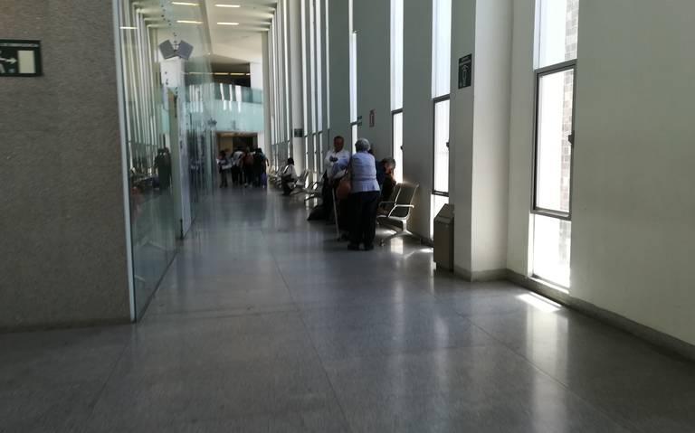 Pacientes reprueban atención en clínicas del ISSSTE (Querétaro)