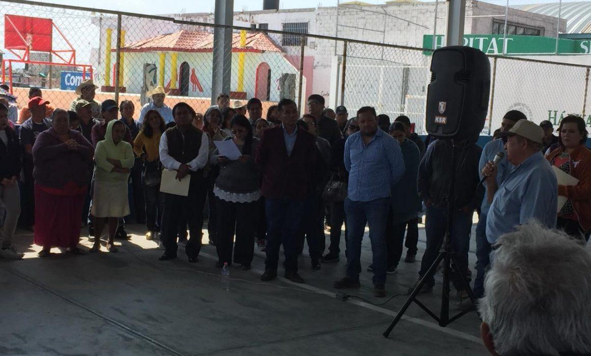 Encaran y reclaman al alcalde de Ixmiquilpan en el Fithzi (Hidalgo)