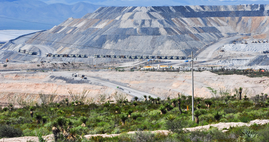 ¿La gente no quiere la mina? Fácil: se demanda al país por millones. Es la nueva táctica, dice informe