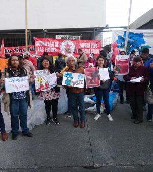 Comuneros y activistas protestan frente a la SEMARNAT en la Ciudad de México