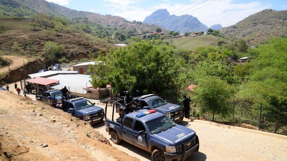 Van más de mil familias desplazadas por la violencia en Sinaloa