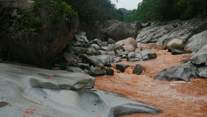 Cambia el color de río Los Horcones tras obras (Jalisco)