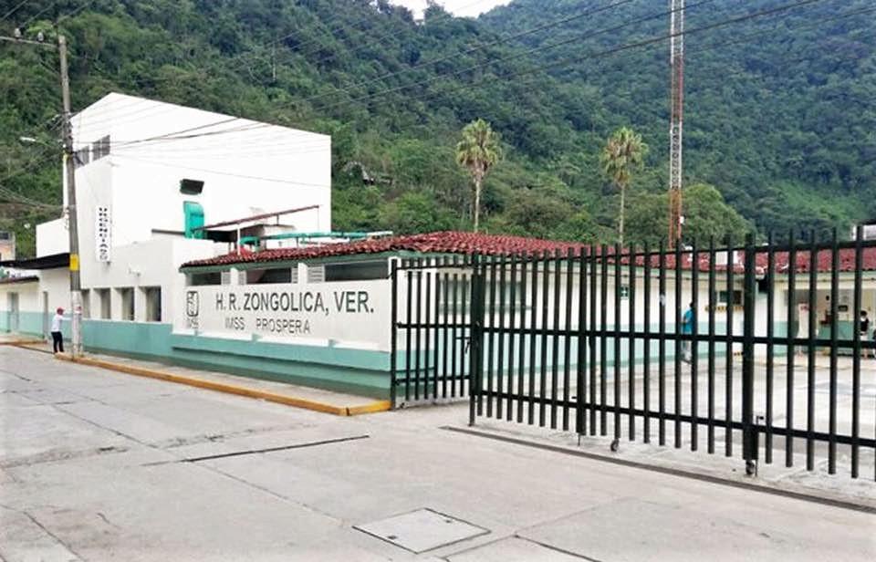 Manifestantes exigen a AMLO más recursos para Hospital Rural en Veracruz