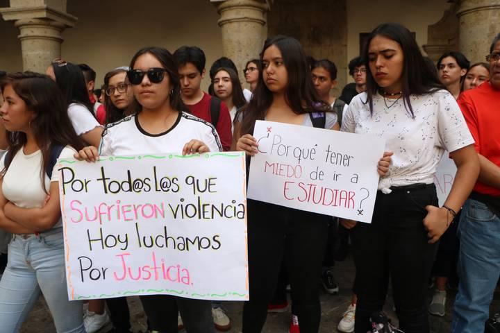 Marchan estudiantes para exigir seguridad (Jalisco)