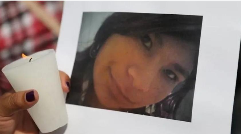 Marchan mujeres en Ecatepec, foco de feminicidios en México (Estado de México)