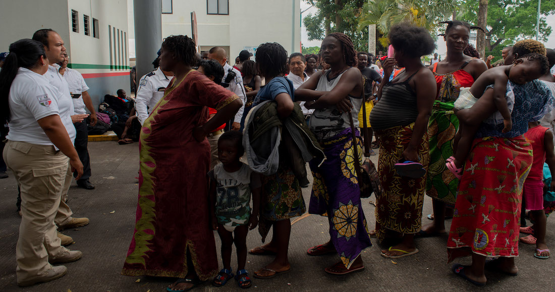 """Procuradora federal de la 4T llama """"caníbales"""" a migrantes de África… y se burla de su hambre"""