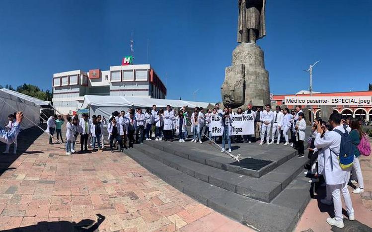 Protestan por reducción de becas en sector salud (Hidalgo)