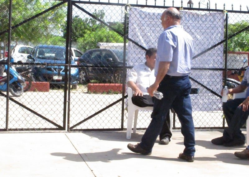 Continúa conflicto en una secundaria (Yucatán)