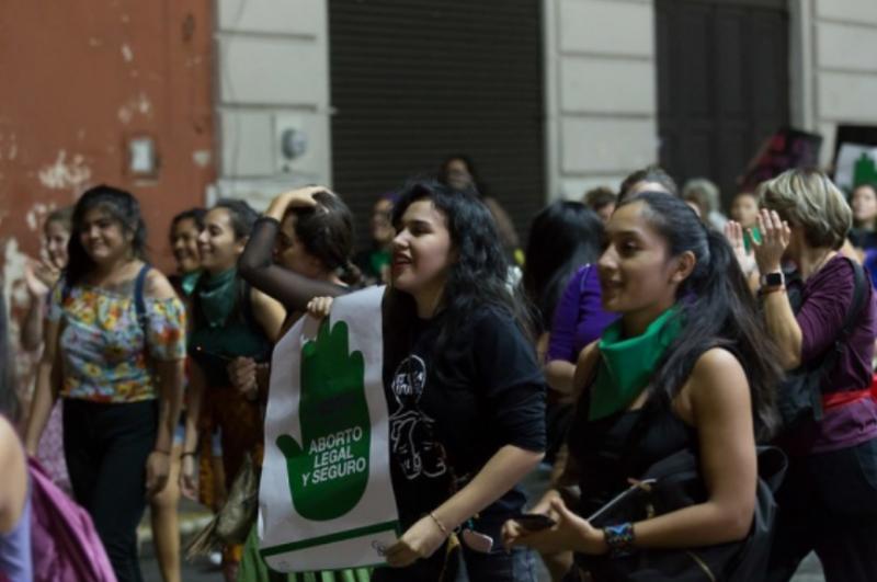 Cientos de mujeres marcharon en Yucatán por la despenalización del aborto