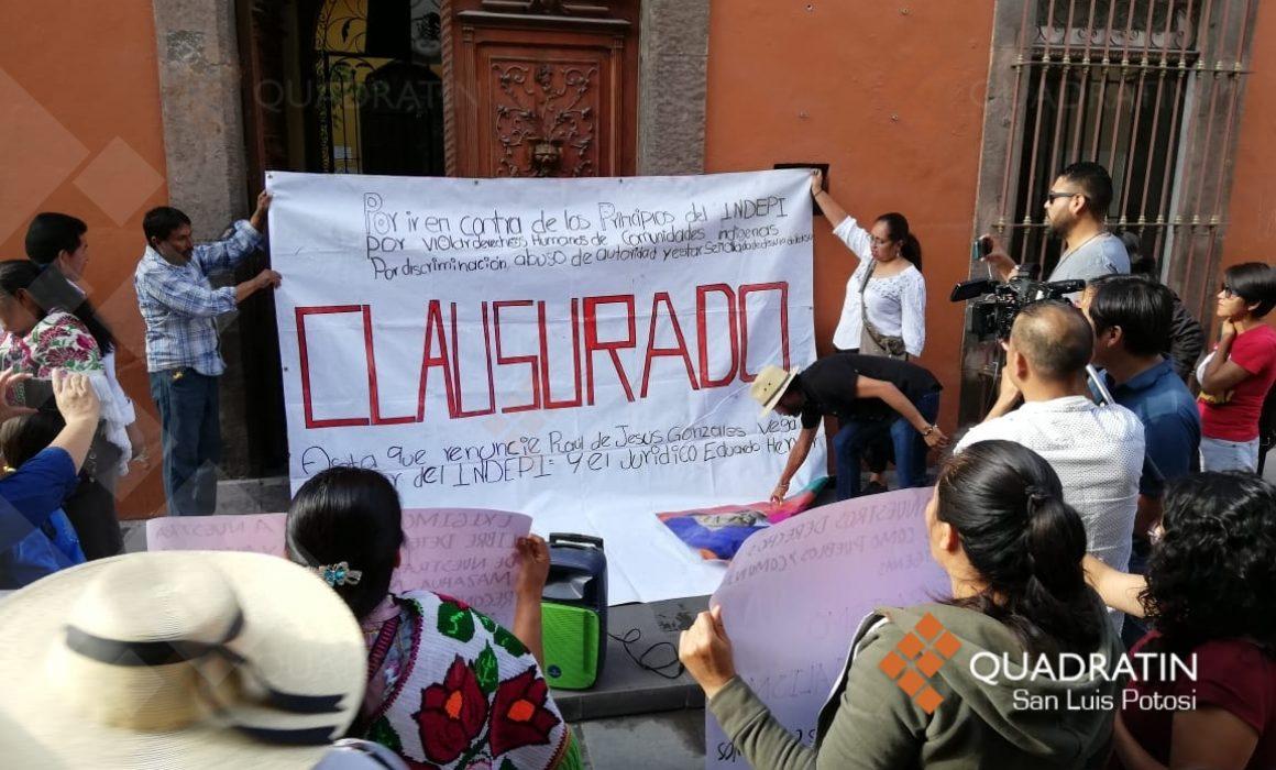 Indígenas clausuraron oficinas de Indepi y piden renuncia del titular (San Luis Potosí)