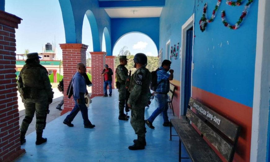 Yucuquimi de Ocampo quiere ser municipio libre; pobladores denuncian irrupción del Ejército (Oaxaca)