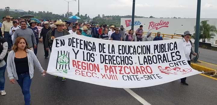 CNTE marcha en exigencia de pago de adeudos (Michoacán)