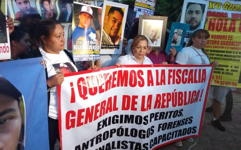 Exigen aplicar pruebas de ADN a todos los restos hallados en fosa de Jalisco