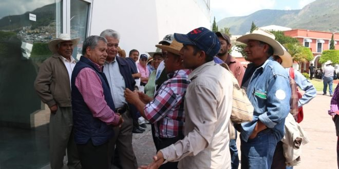 Con un plantón, exigen reducir contaminación en presa Endhó (Hidalgo)