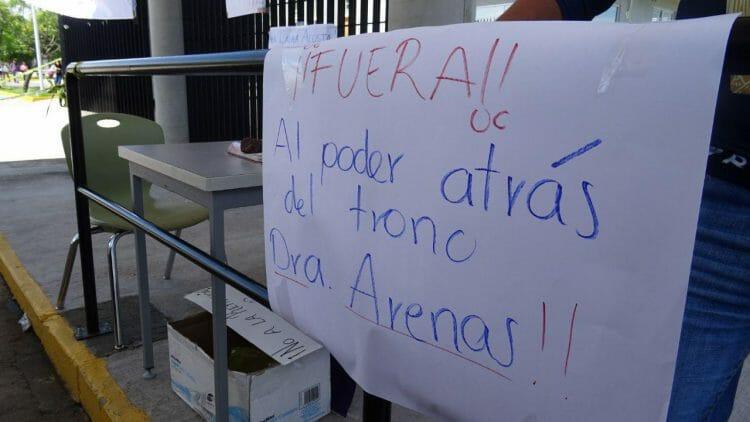 Sindicalizados del ENES León se manifiestan, denuncian anomalías y falta de pagos