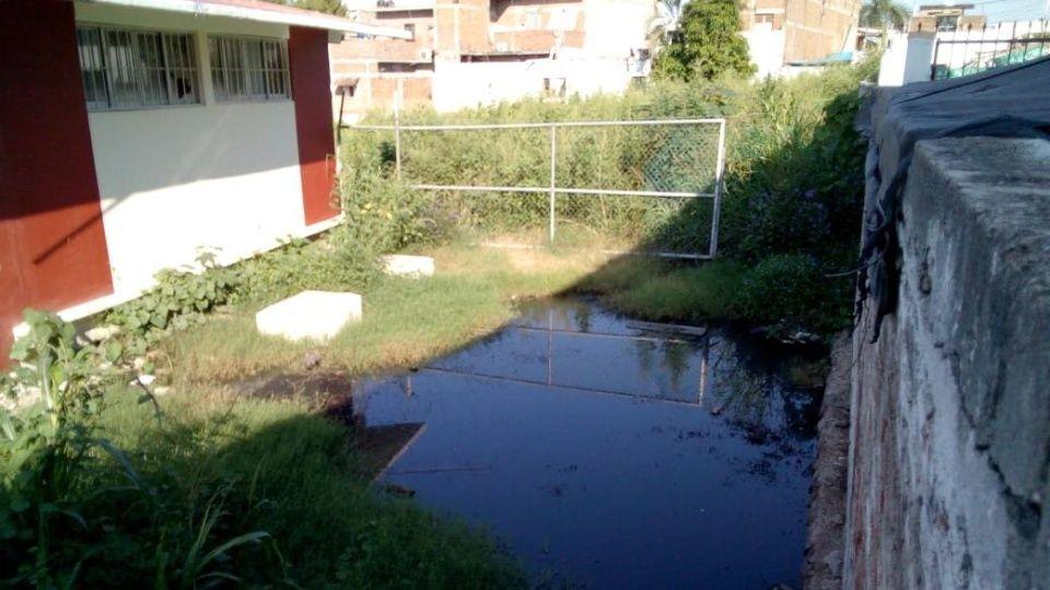 Niños enferman por derrame de aguas negras en escuela (Sinaloa)
