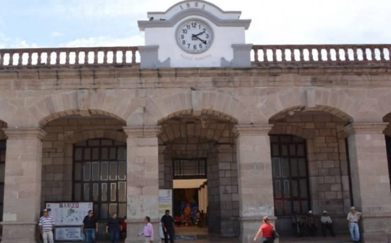 Trabajadores se manifiestan en la Presidencia Municipal de Tepic (Nayarit)